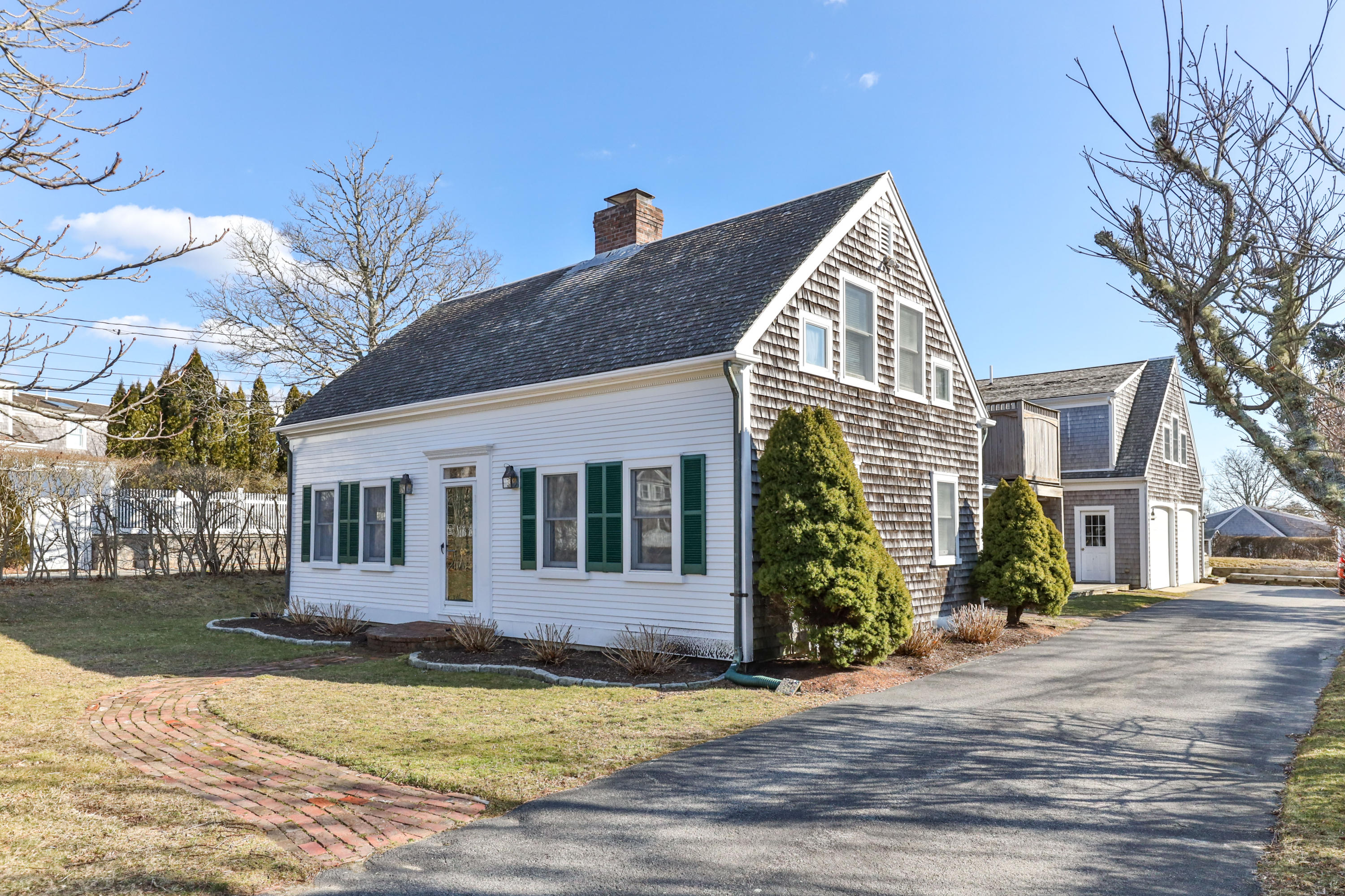 90 Seaview Street, Chatham, MA details