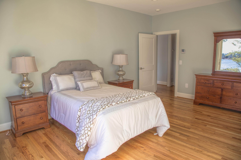 Sold 62 Loring Avenue Dennis Ma 02670 West Dennis 6 Beds 5 Full Baths 1 Half Bath 1901800 Sold Listing Mls 21908545