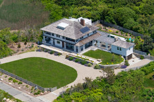 103 Racing Beach Avenue, Falmouth, MA 02540
