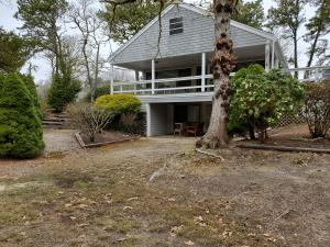 1 Sterling Road, South Harwich, MA 02661