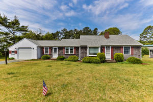 15 Clipper Lane, Dennis Port, MA 02639