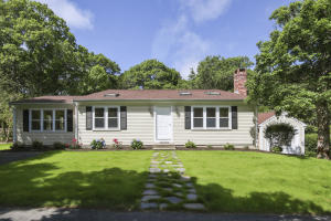 725 Old Stage Road, Centerville, MA 02632