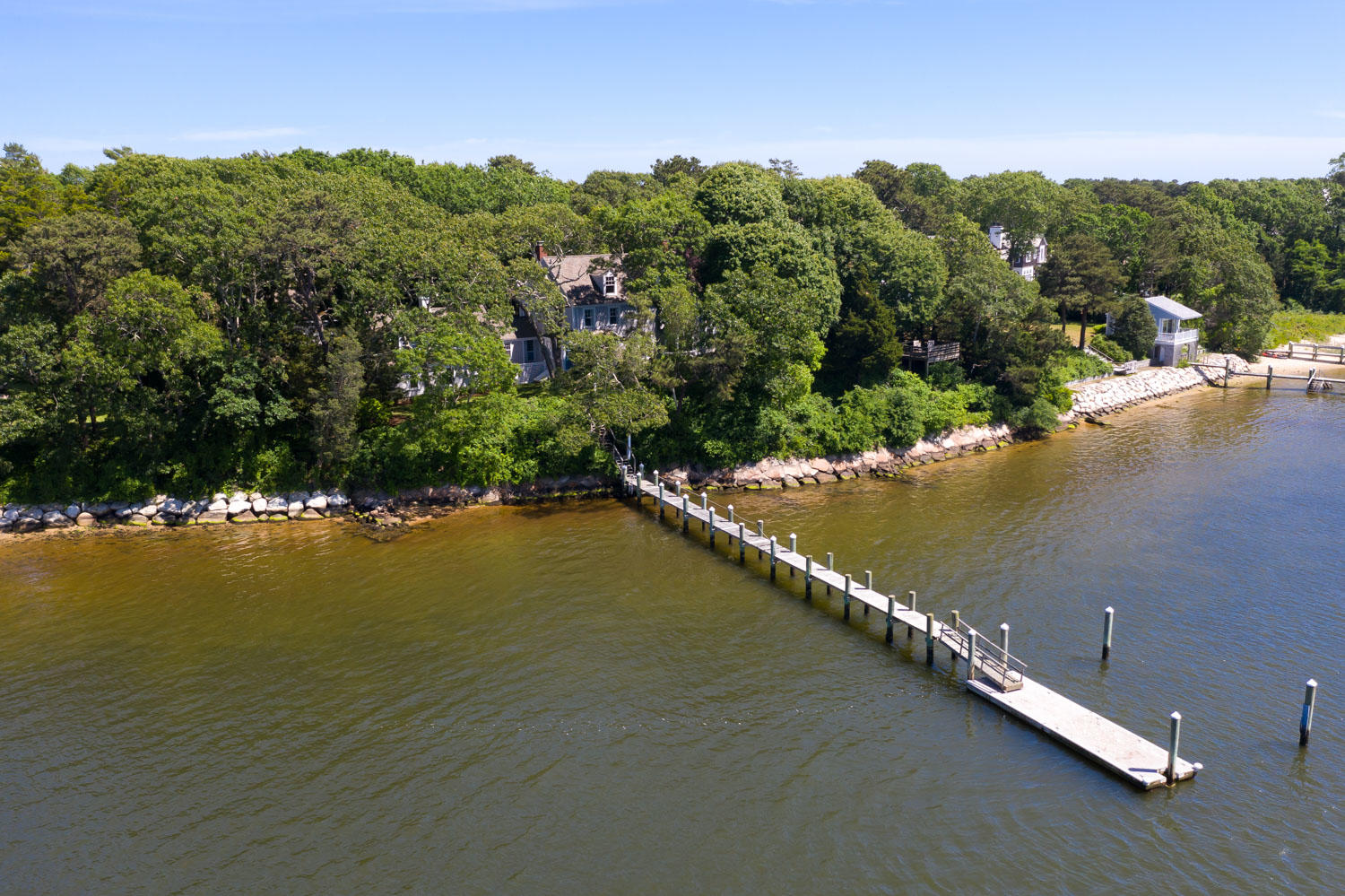 360 North Bay Road Osterville, MA 02655