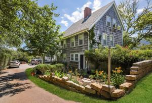322 Bridge Street, Chatham, MA 02633