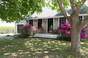 431 Pleasant Lake Avenue, Harwich, MA 02645