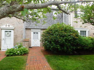 8 Captain Cook Lane, Centerville, MA 02632