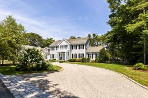 285 Windswept Way, Osterville, MA 02655