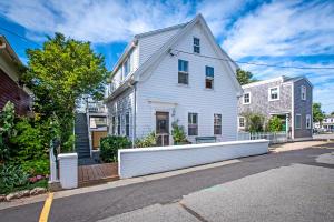 8 Montello Street, Provincetown, MA 02657