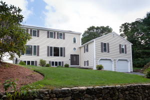 104 Goose Point Road, Centerville, MA 02632
