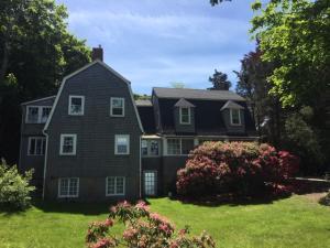 273 Quissett Avenue, Woods Hole, MA 02543