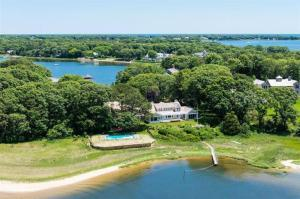 71 Sand Point, Osterville, MA 02655