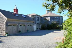 40 Cobbs Grove Road, East Dennis, MA 02641