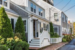 2 Farmer Street, Nantucket, MA 02554