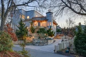 16 Thistlemore Road, Provincetown, MA 02657