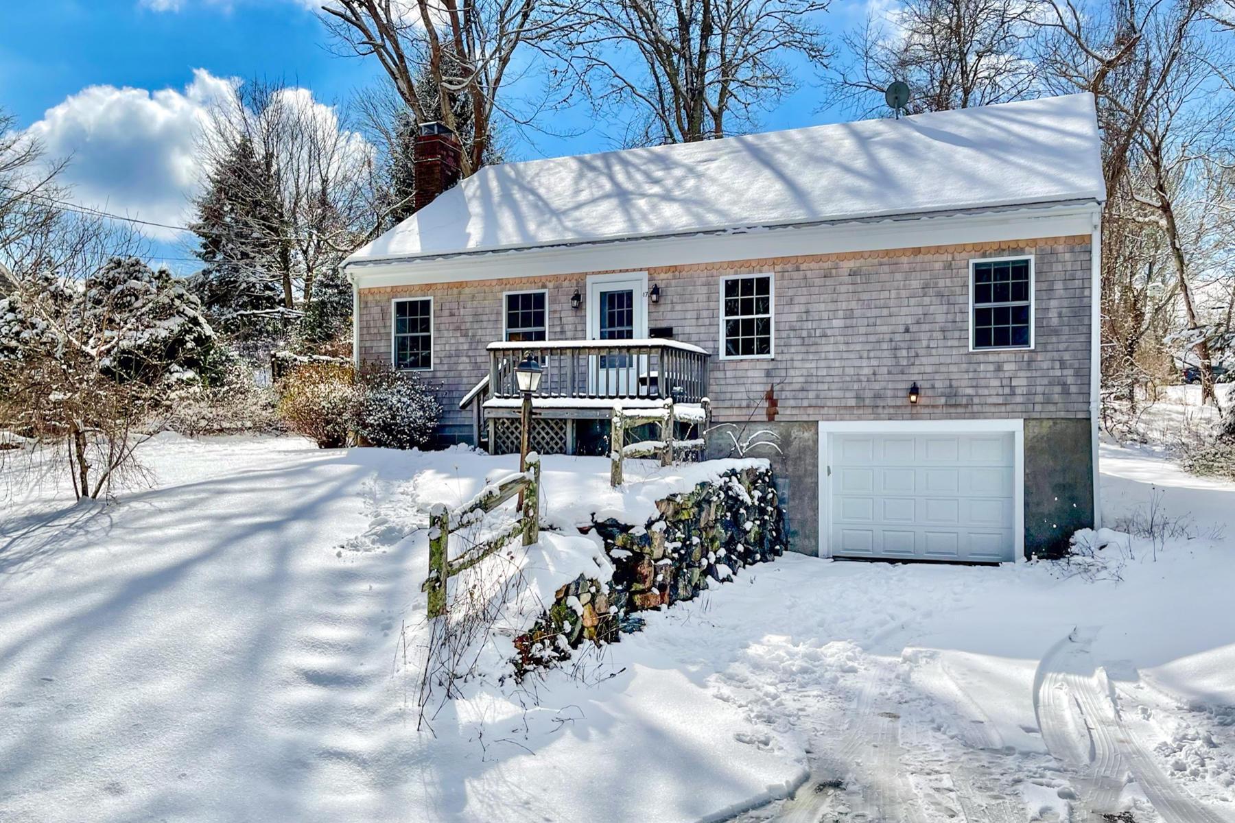 17 McGregor Road, Woods Hole MA, 02543 sales details