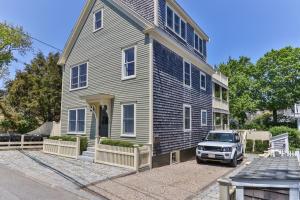 3 Franklin Street, Unit 2, Provincetown, MA 02657