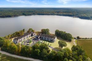 Lake Point Village
