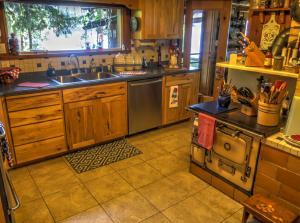 11-Kitchen B