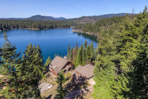 Exquisite 4 bedroom Rustic Elegance on Hayden Lake