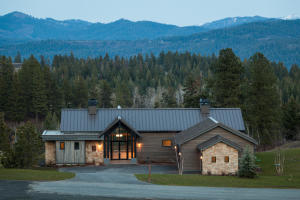 Stunning Contemporary Mountain home with luxury features throughout - Single level living at it's finest