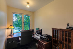 Enjoy working from this great spot in the Master with lake views