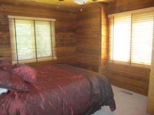 Mainfloor Bedroom