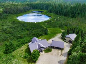 469-A Lee Lake Rd, Coolin, ID 83821