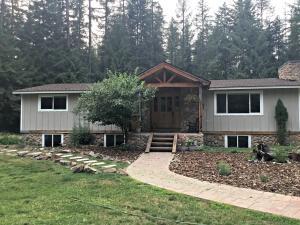 527 Creekside DR, Priest Lake, ID 83856
