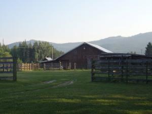 318 Wells Ln, Priest River, ID 83856