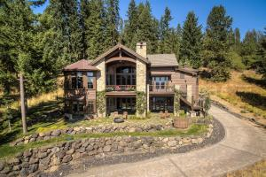 Exquisite Craftsmanship and Beauty, landscaping and lake views