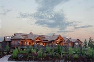 The Golf Club at Black Rock is a special Award Winning Golf community with this amazing 10,000 SF Clubhouse, stunning Jim Ehgh. When people think Black Rock, the first thing that comes to