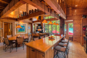 So many places for the family and friends to gather in this Open plan living room. Pine tonge and groove walls and ceiling add to the Cabin luxury feel- life on the lake, but not roughing it!