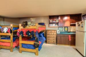 Main house bonus room is sleeping quarters, game room, office, get away room!