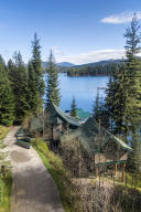 Private, discreet, savvy cabin and lake living
