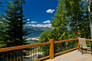 Spacious Decks, fabulous Views