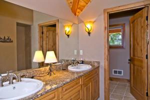 Large Guest Bath