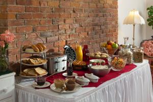 Breakfast served in Dining Room