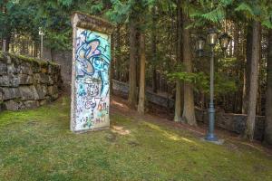 Rare Monument-Symbol of Freedom