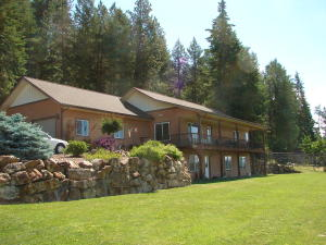 12 Tanager Ln, Bonners Ferry, ID 83805