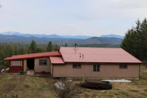 701 Cabin Ridge Rd, Spirit Lake, ID 83869