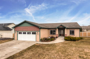 6713 W BUFFALO GRASS LN, Rathdrum, ID 83858