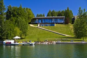 598 Ponder Point Dr, Sandpoint, ID 83864