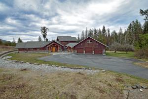 97 Wright Ct, Sandpoint, ID 83864