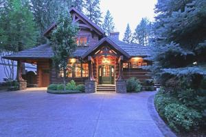 An exquisite luxury log cabin