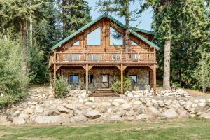 1524 Lamb Creek, Priest Lake, ID 83856