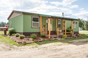 188 Pine Creek Ln, Priest River, ID 83856
