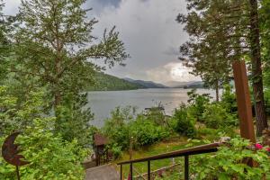 30443 N Nautical Loop, Spirit Lake, ID 83869