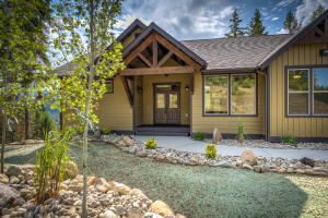355 Olympic Drive, Sandpoint, ID 83864