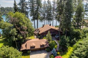 10358 N GIBSON RD, Hayden Lake, ID 83835