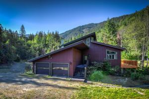 1722 Trestle Creek Rd, Hope, ID 83836